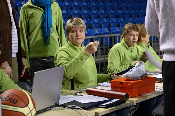 Lauakohtunike vaimne ema Annika Härmits: saan olla ninapidi tõelise korvpalli sees