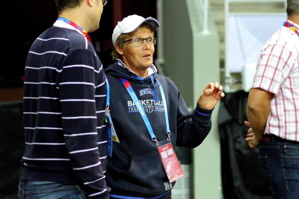 Korvpallurite pikaaegne abimees Kalle Põder: spordiarstiks olemine nõuab suurt pühendumust